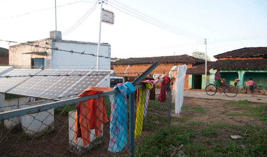 Solar-power-to-Irradiate-140-Naxal-Effected-Villages-in-Chhattisgarh