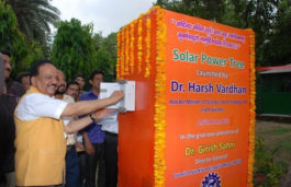 Dr. Harsh Vardhan launches Solar Power Tree for Generation of Electricity