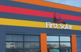 First Solar Net Loss Narrows to $432.45 Mn in Q4