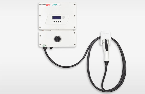 SolarEdge PV Inverter-Integrated Electric Vehicle Charger