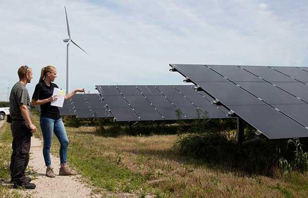 Facebook Oregon Data Center with Solar Power