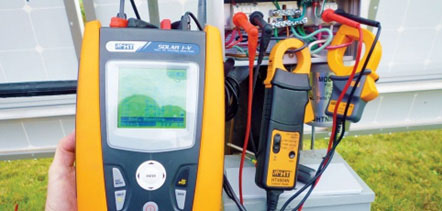 Voltage and current measurement of PV string