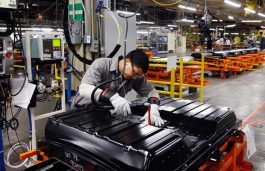 GM and LG Chem to Mass Produce Battery Cells for Future EVs