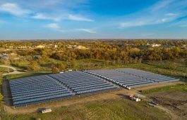 Iowa's First Solar and Storage Power Plant Goes Live