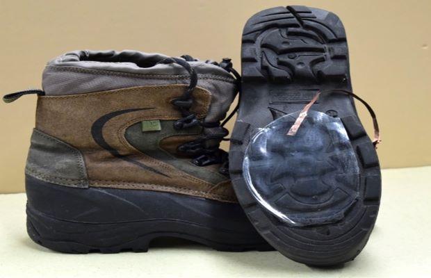 Hiking shoe with Snow powered Nanogenerator