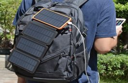Feelle 25000 mAh Solar Power Bank