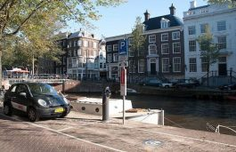 Amsterdam's Largest EV Charging Network to Run on RE
