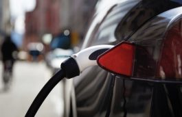 UP Offers 25% Rebate on Land for Setting up EV Charging Points