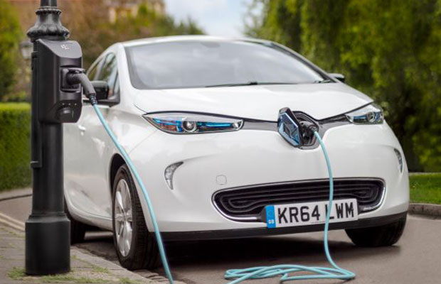 electric vehicle charging on lamp