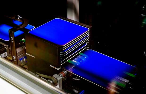 Hevel Solar Cell