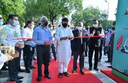 RK Singh Launches First-of-its-Kind EV Charging Plaza in Delhi