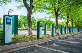 CESL Supports Delhi government's EV Adoption, Aim for 1,000 Charging Stations