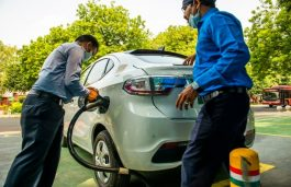 All Delhi Officials Will Commute in EVs, Request 4W Owners to Switch: Gahlot